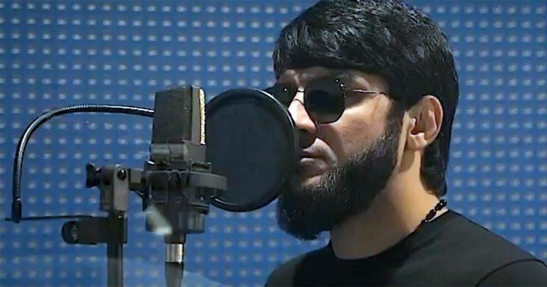 Ислам Итляшев представил фрагмент новой песни «Сын» Как пообещал популярный